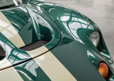 Lotus Elise S1 VVC MMC grün metallic mit goldenen Race Streifen Detail Scheinwerfer
