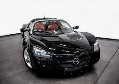 Opel Speedster schwarz Cabrio Frontansicht