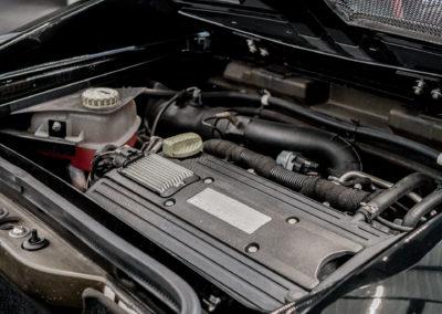 Opel Speedster schwarz Motorraum