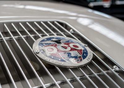 Volkswagen Beck Speedster Detail Porsche Plakette