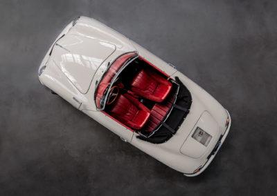 Volkswagen Beck Speedster Cabrio von oben fotografiert rote Ledersitze