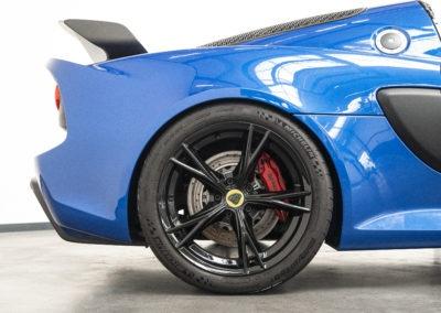 Lotus Exige Sport 350 blau Detail Reifen und Felge